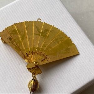 Gold color Fan convertible Brooch and Pendant